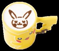 Caffè Latte Pikachu (Caldo) (Pokémon Café Tokyo DX).png